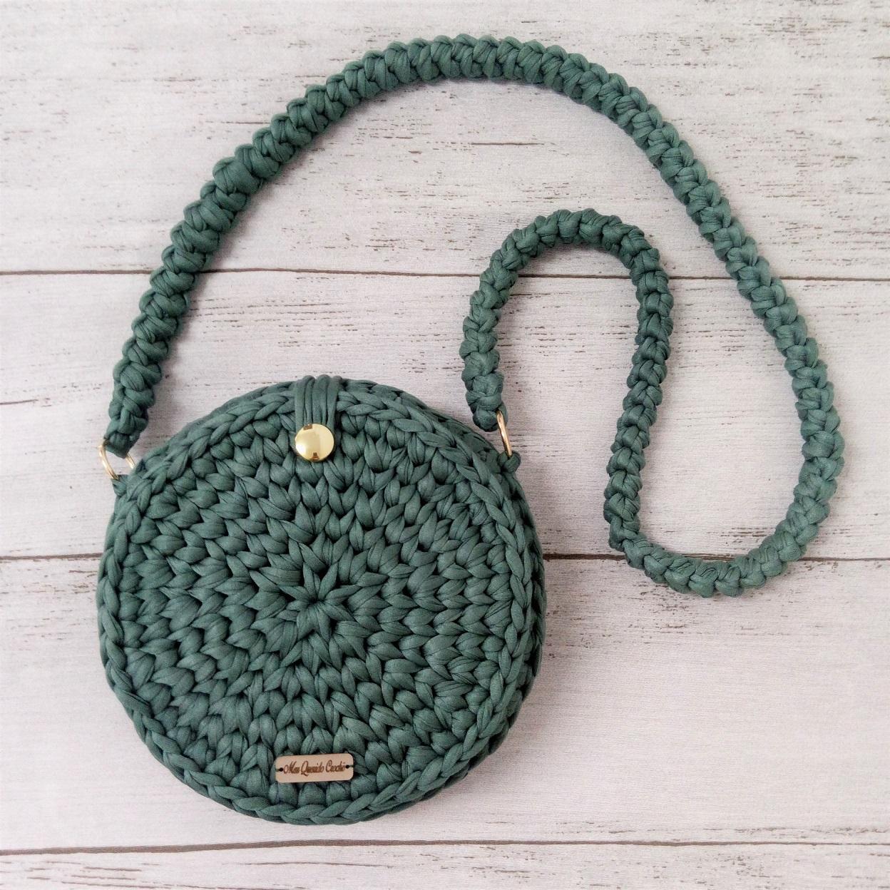 Como fazer bolsa redonda de crochê com fio de malha?